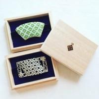 こぎん刺しで作った帯留を入れる桐箱に焼印by松田順子さん